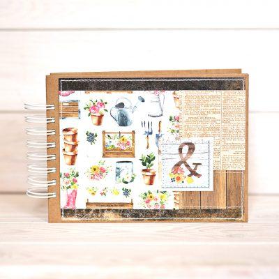 album na zdjecia 15cmx21cm w kolorach brazu motywy kwiatowe i ogrodowe na okladce
