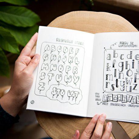 alfabety 2, zeszyt pełen inspiracji kaligraficznych