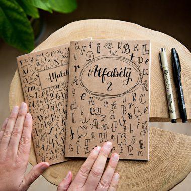 Akcesoria do kaligrafii - notesy, wzorniki, brushpeny